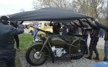 Аллея военной техники в Бугуруслане пополнилась тяжёлым мотоциклом М-72