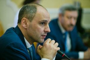 Денис Паслер выразил соболезнования в связи с трагедией в Казани