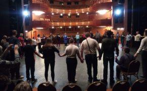 В Орском театре покажут спектакль с участием слепоглухих актёров