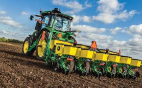 В сутки аграрии Оренбуржья засевают по 150 тысяч гектаров