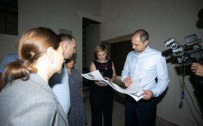 Губернатор проверил ход ремонта в областной филармонии и театре кукол «Пьеро»