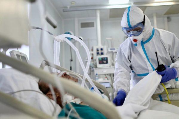 В среднем за сутки госпитализируют 232 оренбуржца с COVID-19