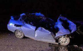 Под Оренбургом в ДТП с грузовиком погибли два человека